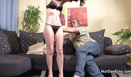 सुडौल coed Layla चालाकी उसकी आबनूस बिल्ली पर एक dildo का उपयोग सेक्सी फिल्म एचडी मूवी वीडियो करता है