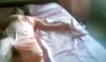 उत्तेजक एचडी एचडी सेक्सी मूवी लड़की