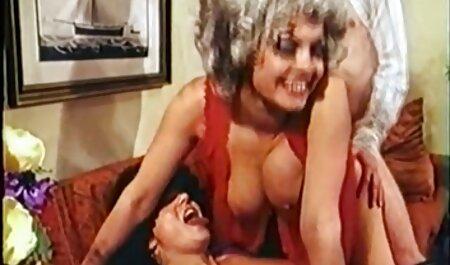 जेसिका टेलर एक गुलाबी वाइब्रेटर के साथ काम करने के लिए सेक्सी मूवी हिंदी एचडी जाती है