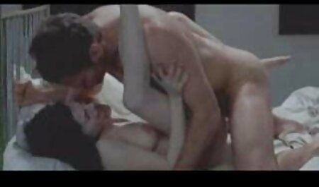 सियाना मिलानो और एरियल रोज ने अपनी पेटी निकायों की तुलना एक्स एक्स एक्स वीडियो एचडी मूवी की