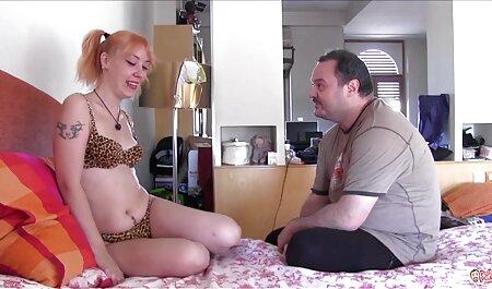उसने अपने विशाल लंड को आइसक्रीम की तरह चूसा हिंदी सेक्स वीडियो मूवी एचडी