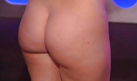 Whoring GRANNY को हिंदी सेक्सी मूवी एचडी वीडियो FUCKED in Kitchen मिलता है